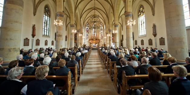 Glaube als Fortschrittskiller: Wie Religion die Wirtschaft ausbremst