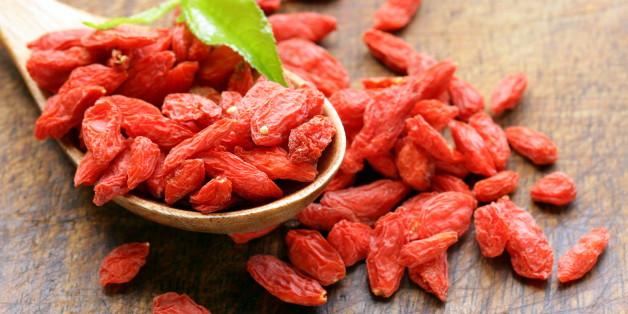 Goji-Beeren können auch mit Wasser aufgebrüht  als köstlicher Tee genossen werden.