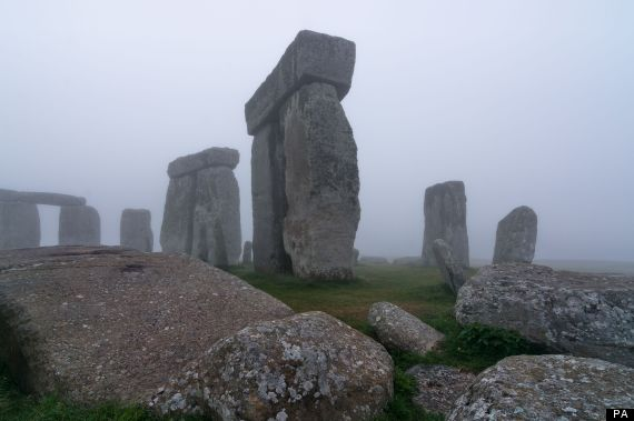 Stonehenge Archeologists Discover 17 New Monuments Surrounding The Iconic Stones (VIDEO)