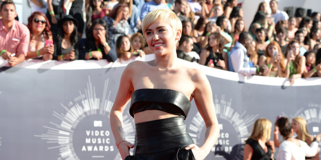 Miley Cyrus Covers Led Zeppelin's 'Babe, I'm Gonna Leave You'