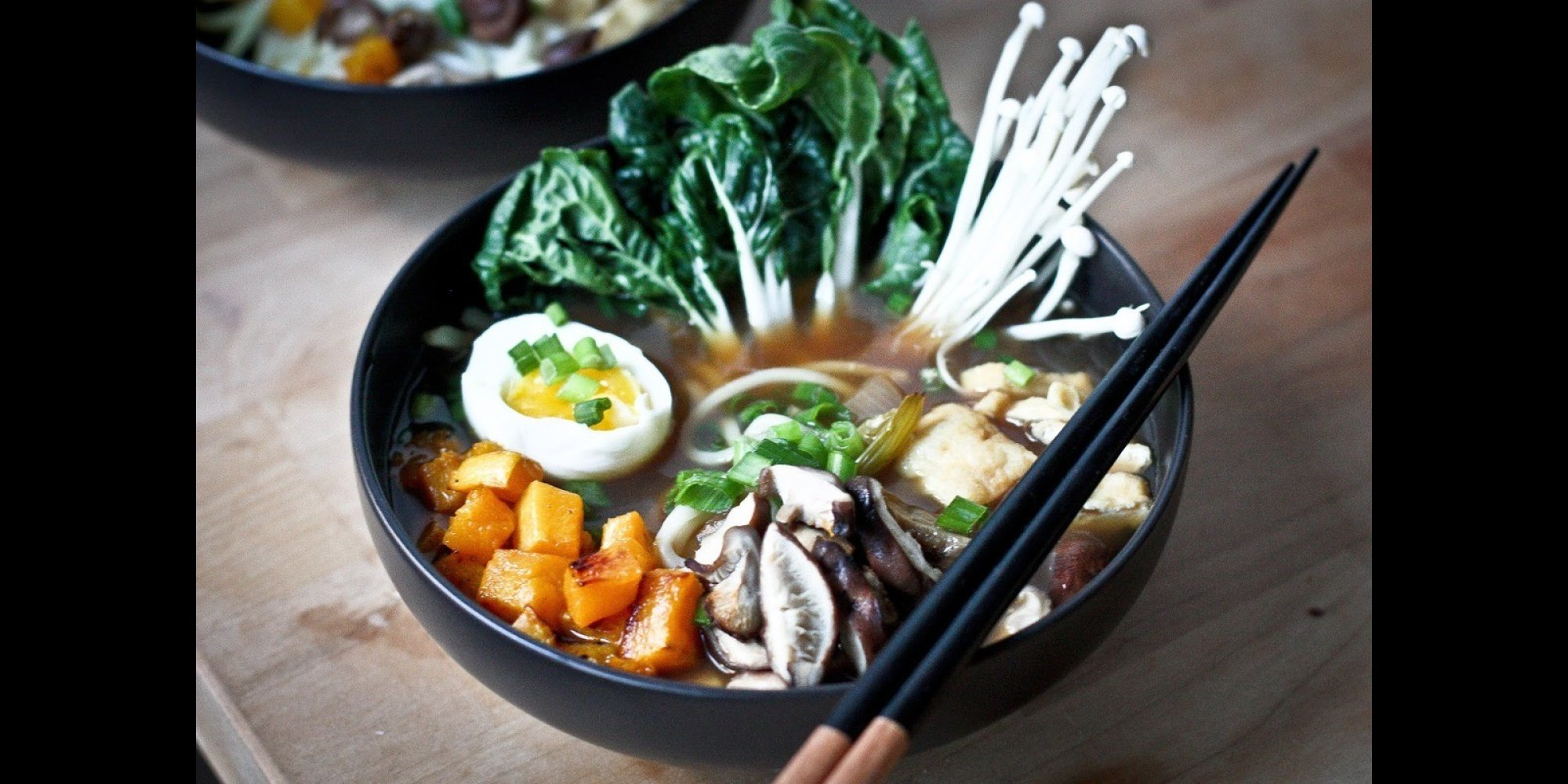11 vegetarian ramen bowls so divine you wont miss the meat huffpost forumfinder Choice Image