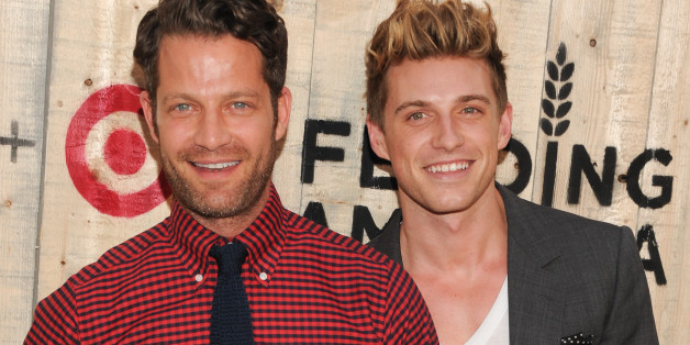nate berkus and jeremiah brent are expecting a baby via surrogate huffpost. Black Bedroom Furniture Sets. Home Design Ideas