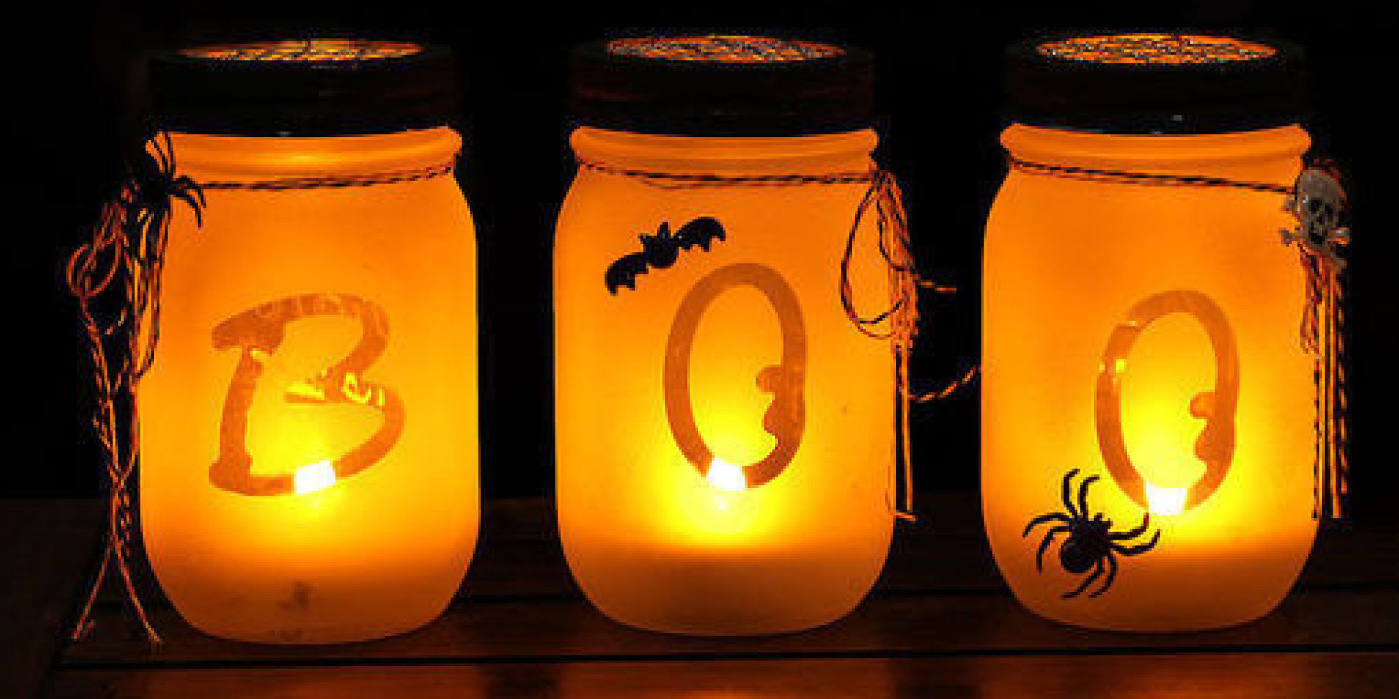 10 spooky chic halloween decorations huffpost. Black Bedroom Furniture Sets. Home Design Ideas