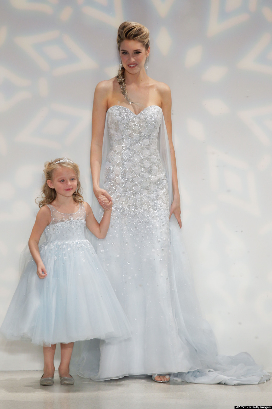 Frozen\' Elsa Wedding Dress Is Perfect For A Princess Bride