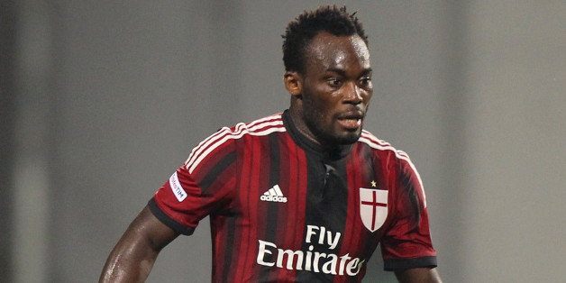 REGGIO NELL'EMILIA, ITALY - AUGUST 23:  Michael Essien of AC Milan in action during the TIM Pre-season Tournament between US Sassuolo, FC Juventus and AC Milan at Mapei Stadium - Citta' del Tricolore on August 23, 2014 in Reggio nell'Emilia, Italy.  (Photo by Paolo Bruno/Getty Images)