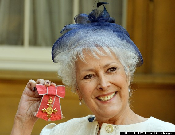 lynda bellingham bowel cancer