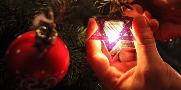 The Rise Of The Menorah Tree: Christmas Traditions Inspiring New Ways Of  Celebrating Hanukkah
