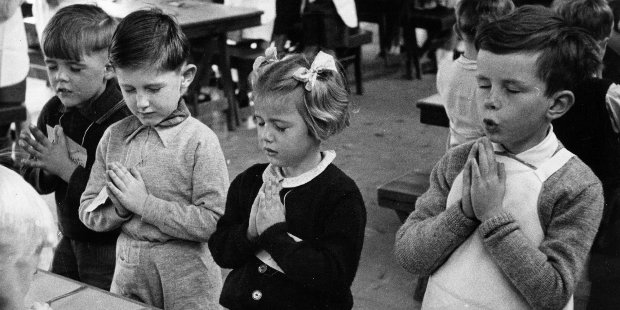 praying in school - HD2000×1000