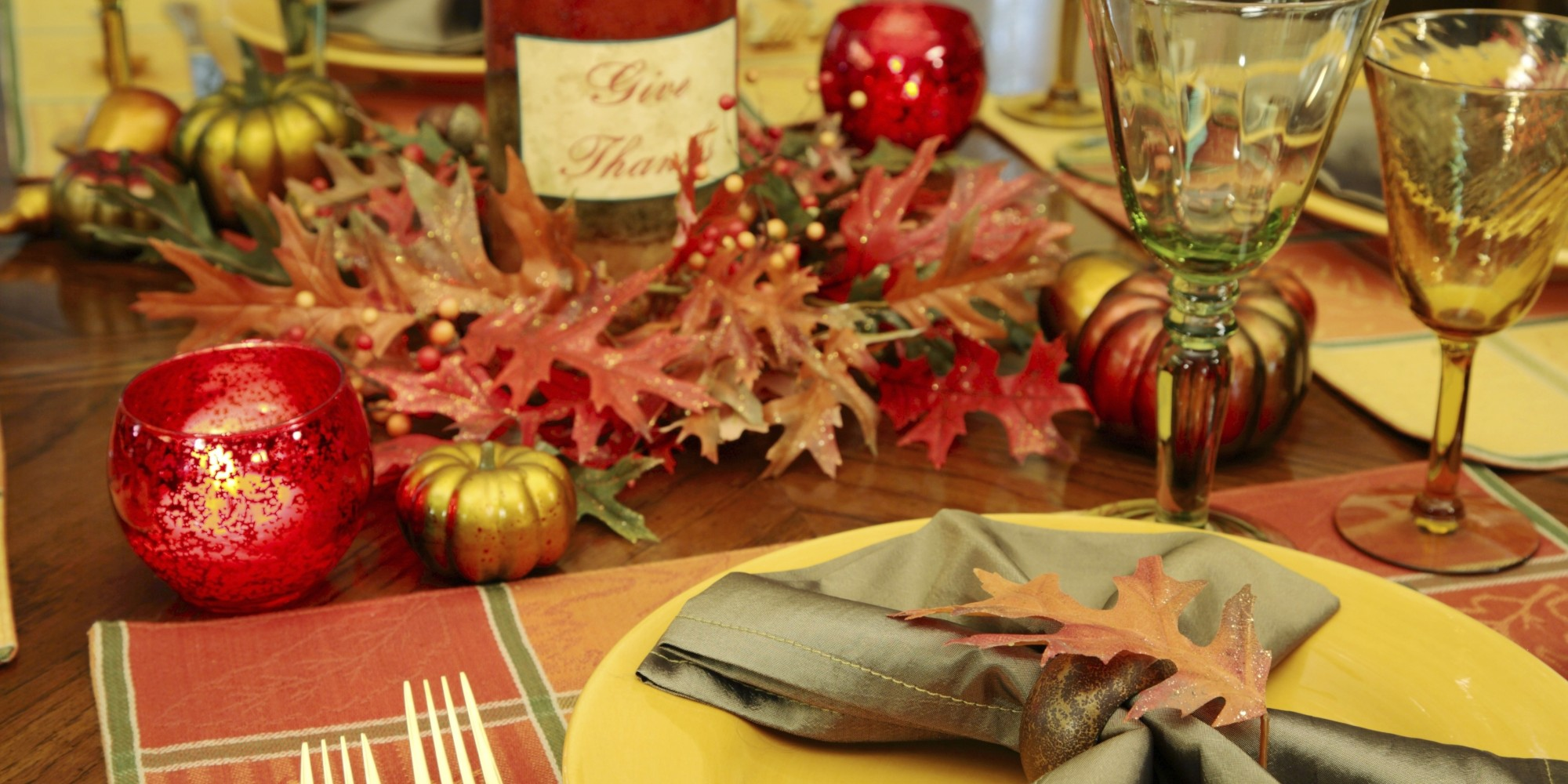 26 gorgeous ways to make your thanksgiving table sparkle How to set a thanksgiving dinner table