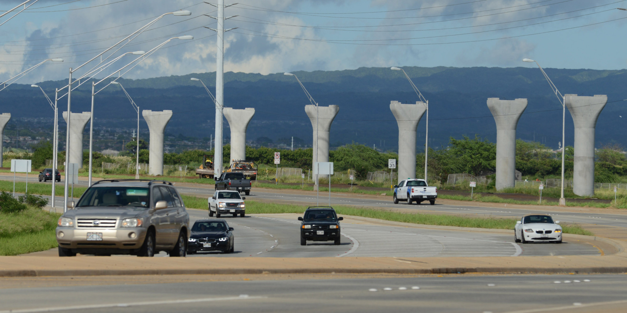 the benefits of the honolulu rail system essay With its official cost now having risen to $86 billion and a funding gap of $18 billion, both of which are certain to rise, honolulu's rail project will run out of money before construction reaches the downtown area, perhaps even before it reaches middle street.