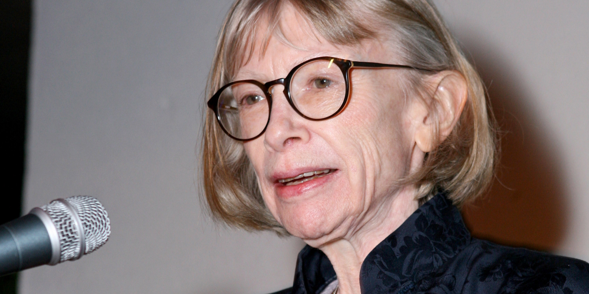 """joan didion essays list Famous essays: get inspired from 8 famous american essay writers of the 20th century 15 dec 2015 joan didion and her """"joan didion"""" essays works."""