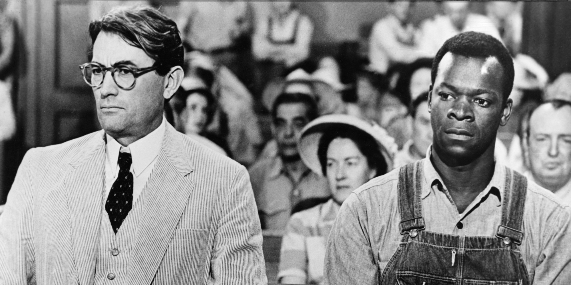 a review of the plot and the trial ending scene in to kill a mockingbird a film by robert mulligan To kill a mockingbird is a 1962 american drama film directed by robert mulligan the screenplay by horton foote is based on harper lee 's 1960 pulitzer prize -winning novel of the same name.