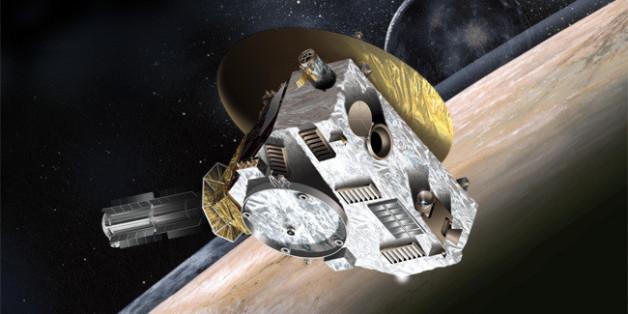 Καλλιτεχνική απεικόνιση του New Horizons κατά την προσέγγισή του στον Πλούτωνα και τον Χάροντα
