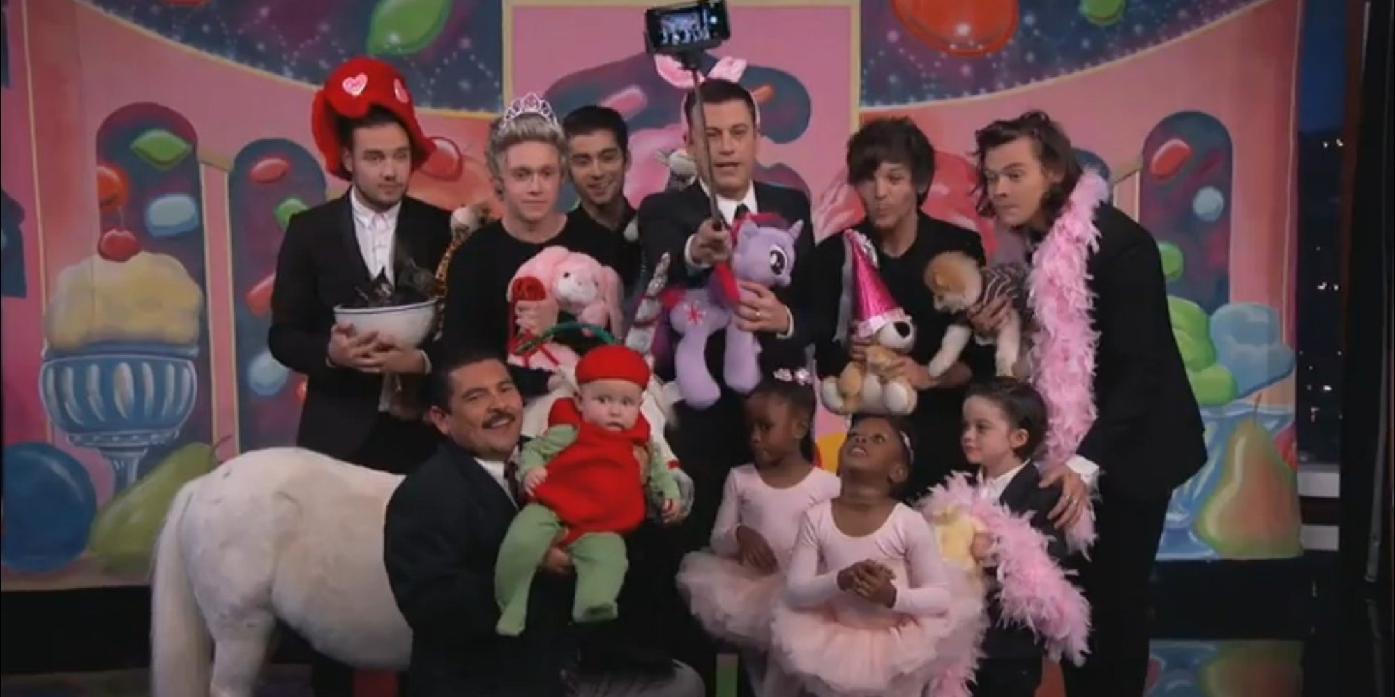 One direction just posed for the cutest selfie ever thanks to the one direction just posed for the cutest selfie ever thanks to the genius of jimmy kimmel huffpost m4hsunfo
