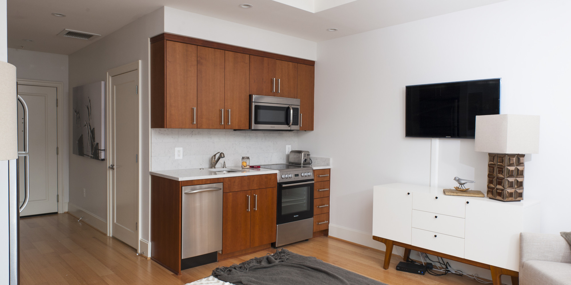 big ideas for micro living trending in north america. Black Bedroom Furniture Sets. Home Design Ideas