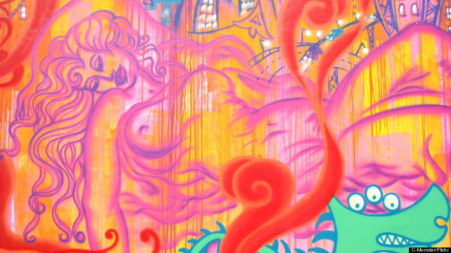lady pink street art