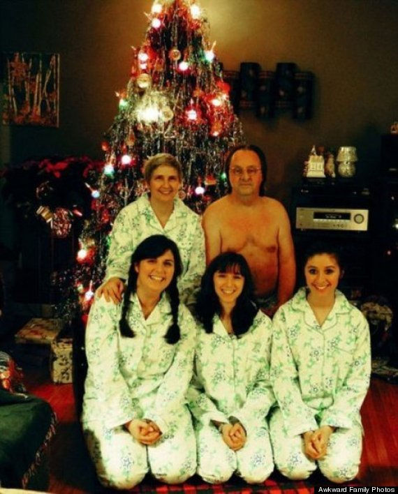 awkward family photos christmas