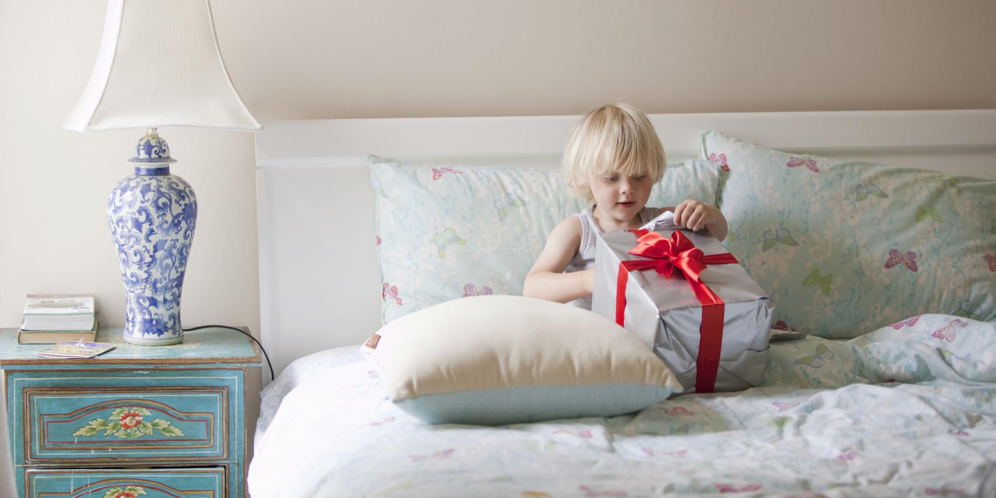 Как спрятать подарки для детей