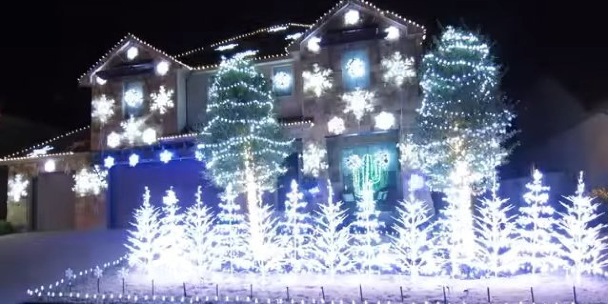 let it go christmas light display is so cool it will freeze you in your tracks huffpost