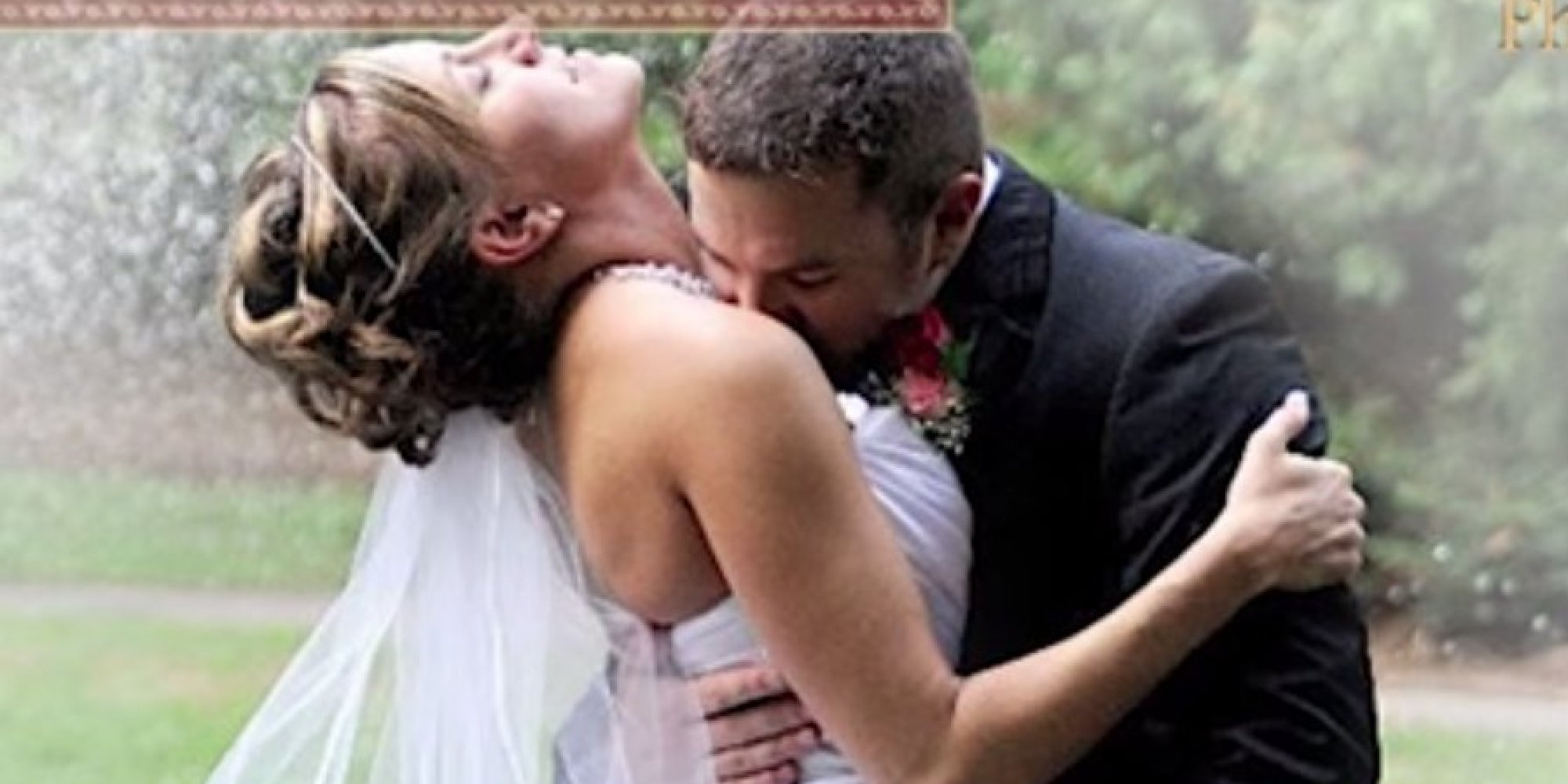 12 painfully awkward wedding kisses huffpost junglespirit Image collections