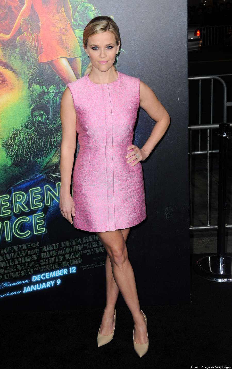 Reese Witherspoon Brightens Up The Holidays In Cute Pink