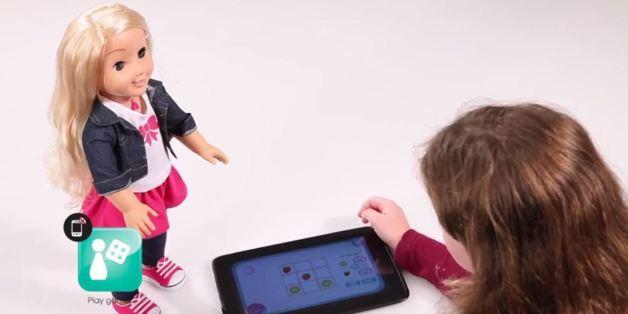 cadeaux de no l faut il acheter un compagnon interactif ses enfants vid os al huffpost. Black Bedroom Furniture Sets. Home Design Ideas