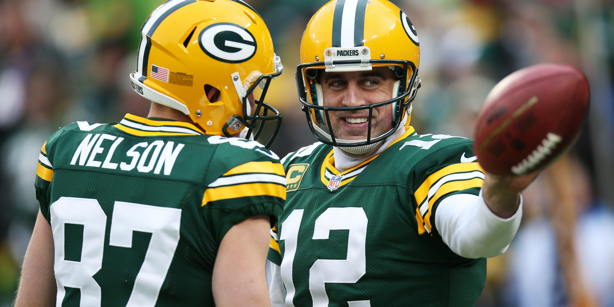 Aaron Rodgers Gives Lineman Box of Chocolates