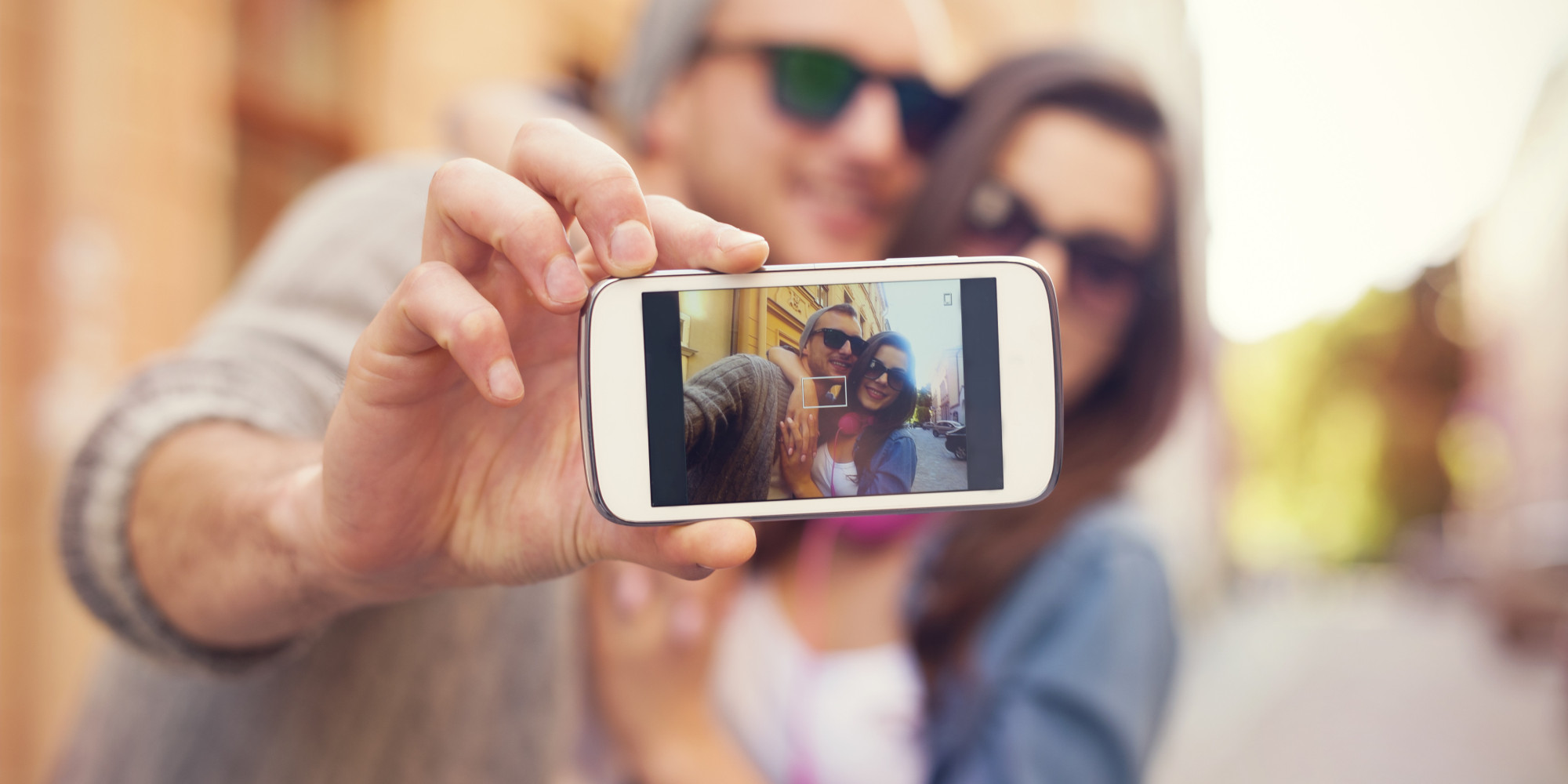 Зачем делают фото с телефона