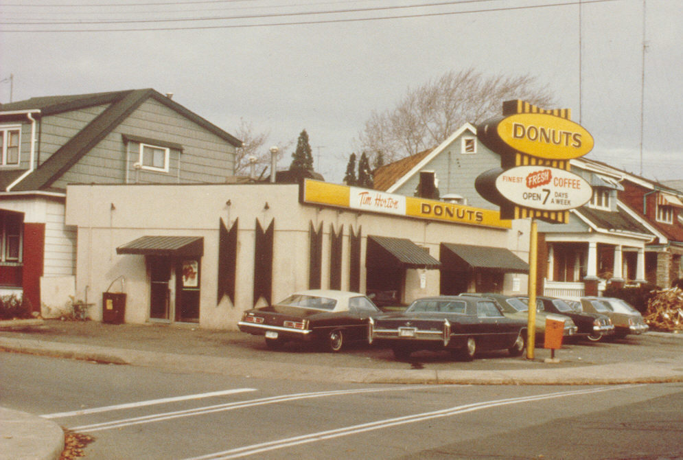 tim hortons first location