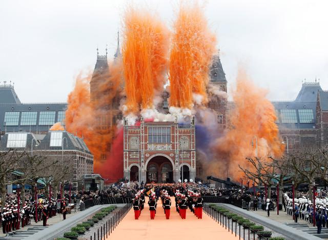 パレード中のアムステルダム