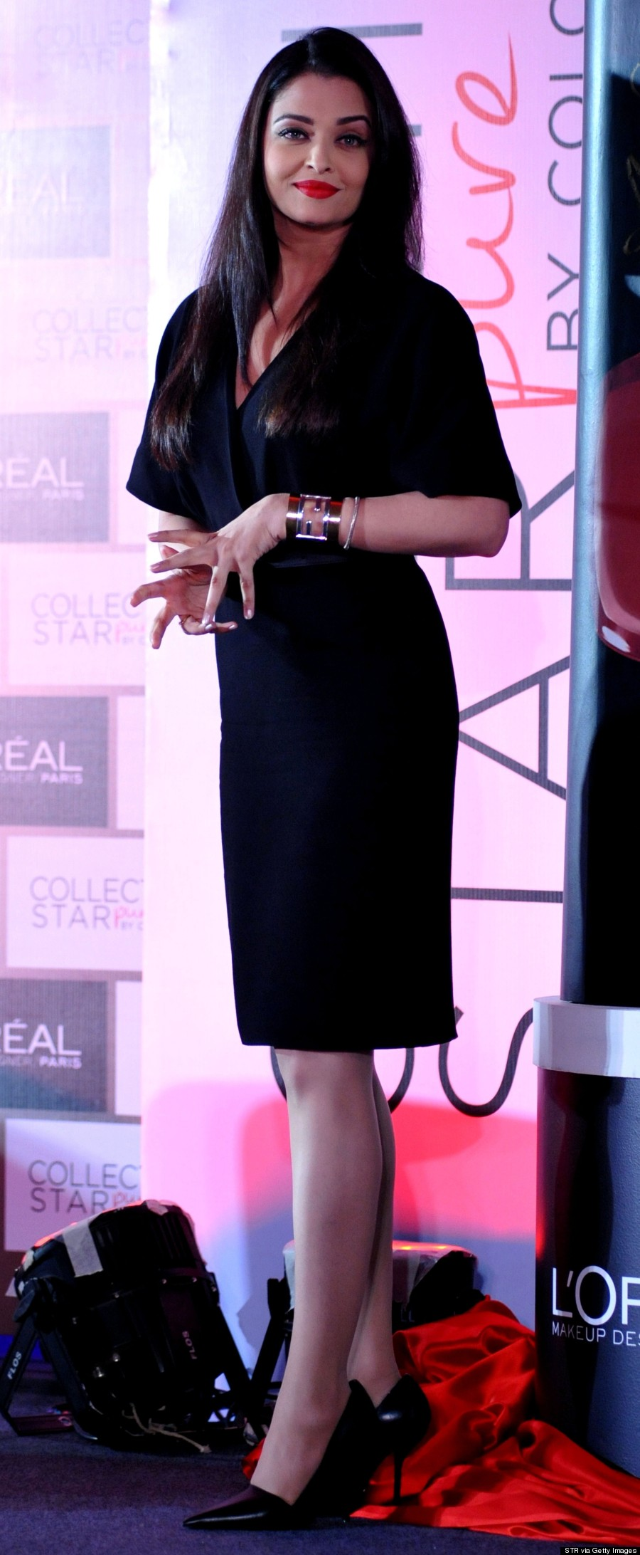 Aishwarya Rai Nails The Perfect Red Lip At L\'Oreal Paris Launch