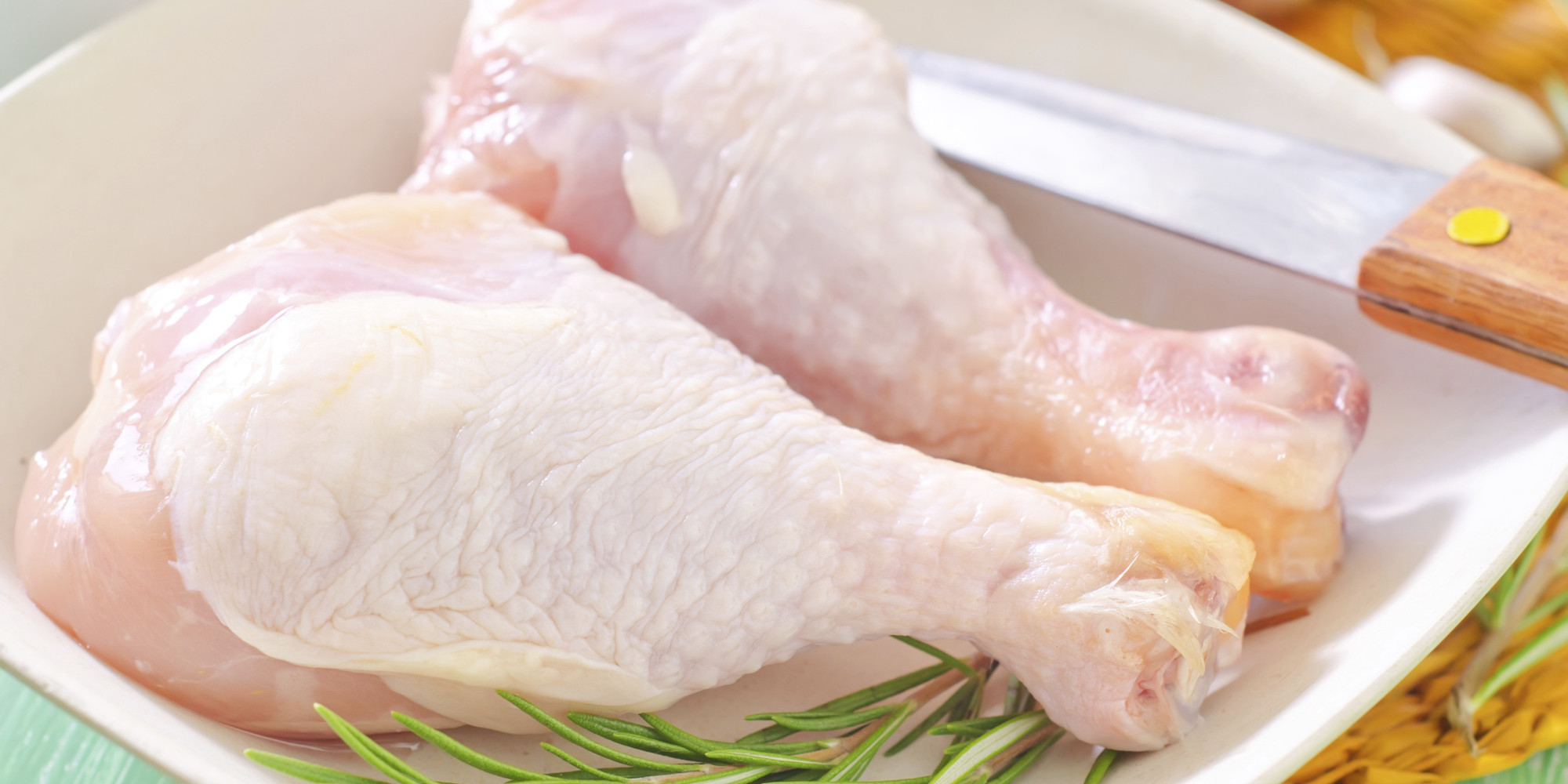 The best way to defrost chicken quickly video huffpost - Defrost chicken safe way ...