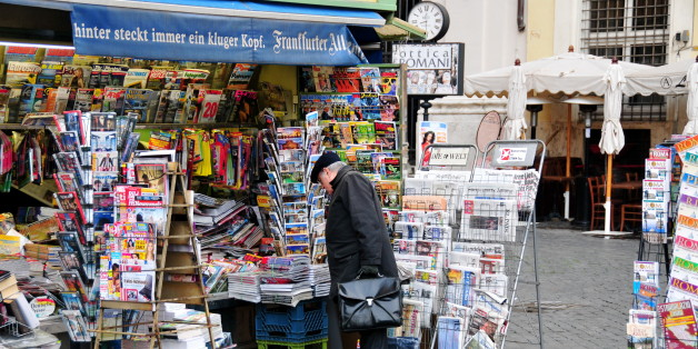 "There are lots of newspaper stands all over Rome -- most of which carry a variety of foreign-language magazines and newspapers...Note: this photo was published in a Jan 15, 2009 blog article entitled &quot;<a href=""http://www.macnews.de/news/113792.html"" rel=""nofollow"">Presseschau: Stimmen zu Steve Jobs' Auszeit</a>.&quot; It was also published in a May 13, 2009 blog titled &quot;<a href=""http://www.searchenginepeople.com/blog/seo-rocket-scientist-forgets-3-things.html"" rel=""nofollow"">Almost an"