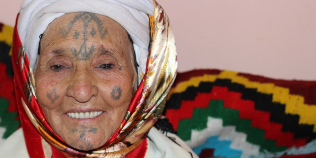 tatouages des femmes chaouies, sujet d'une recherche continue   al