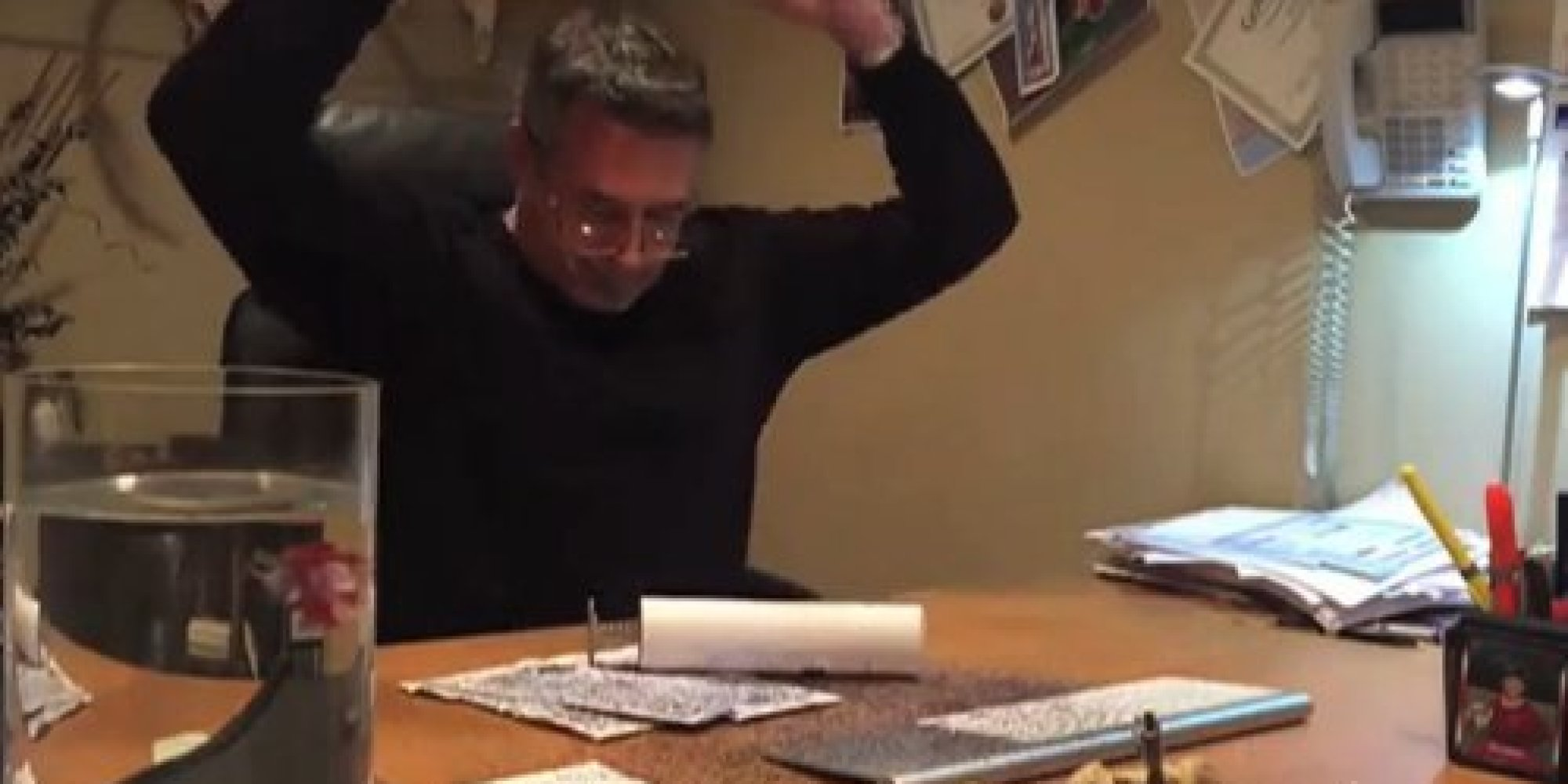 girl teaches her dad a lesson with epic glitter bomb prank huffpost