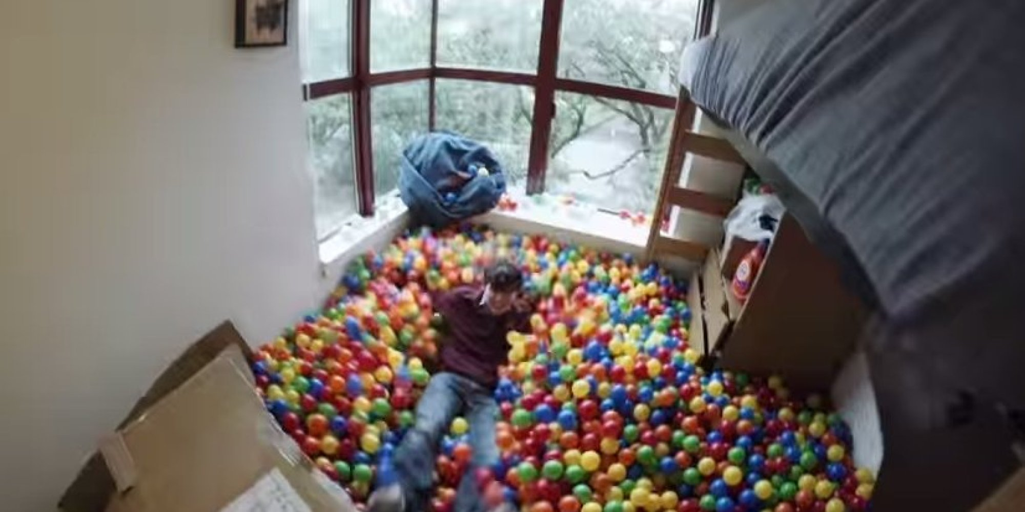 Attractive Rice University Student Turns His Dorm Room Into A Ball Pit (VIDEO) |  HuffPost Part 2