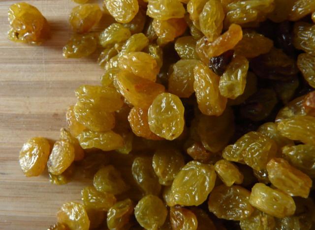 greek raisins