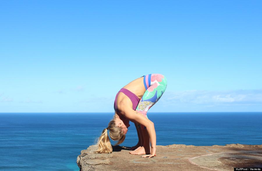 photos 11 postures de yoga pour d butant que tous croient conna tre mais ex cutent peut tre. Black Bedroom Furniture Sets. Home Design Ideas