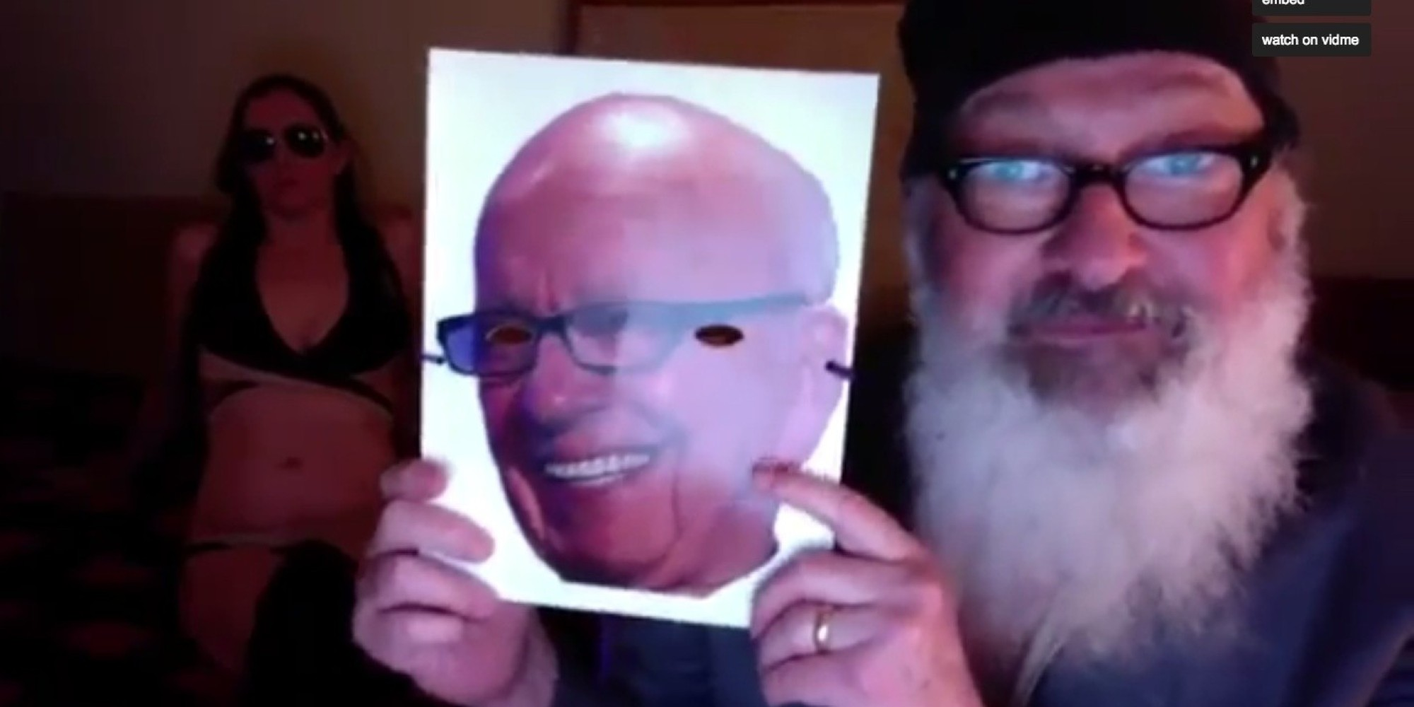 Randy Quaid Posts Bizarre Nsfw Sex Video Z Ženo In Rupert Murdoch Mask Huffpost-2269