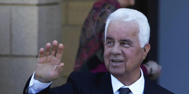 Ο Τουρκοκύπριος ηγέτης, Ντερβίς Έρογλου