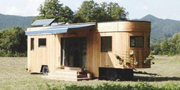 wohnen ohne betriebskosten dieses minihaus auf r dern macht 39 s m glich huffpost deutschland. Black Bedroom Furniture Sets. Home Design Ideas