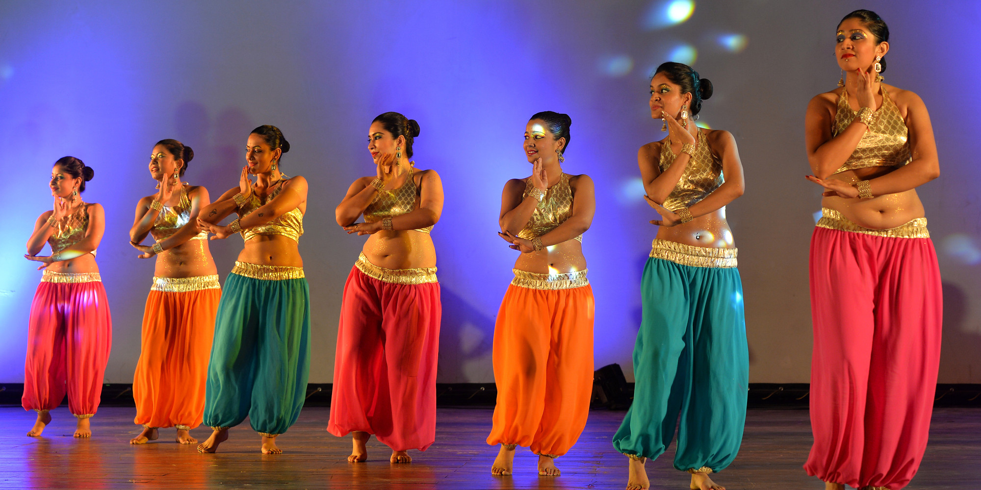 9 reasons every woman should take up belly dancing | huffpost