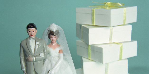 3 Things To Consider When Deciding How Much Spend On A Wedding Gift