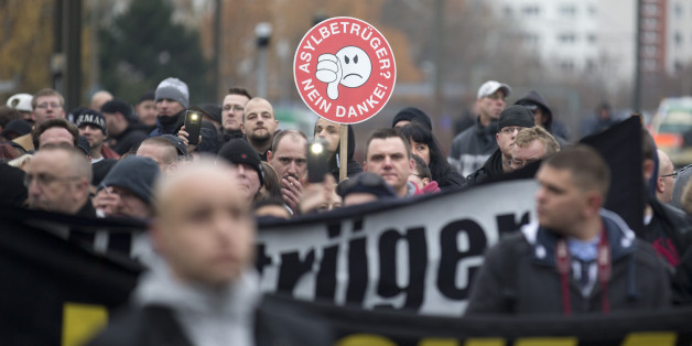 An vielen Orten wie hier in Berlin machen Rechte gegen Ausländer Stimmung. Mit fatalen Folgen.