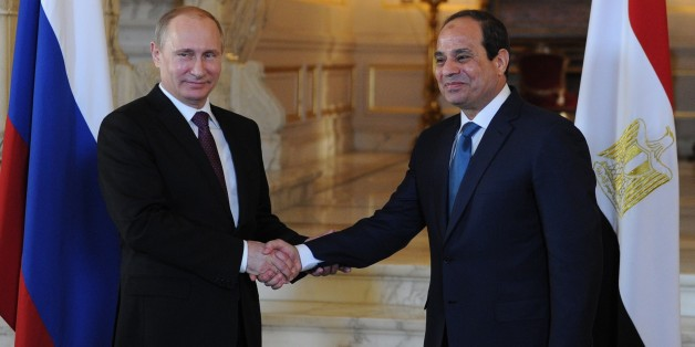 Le président égyptien Abdel-Fattah el-Sissi et son homologue Vladimir Poutine. (AP Photo/RIA Novosti, Mikhail Klementyev, Presidential Press Service)