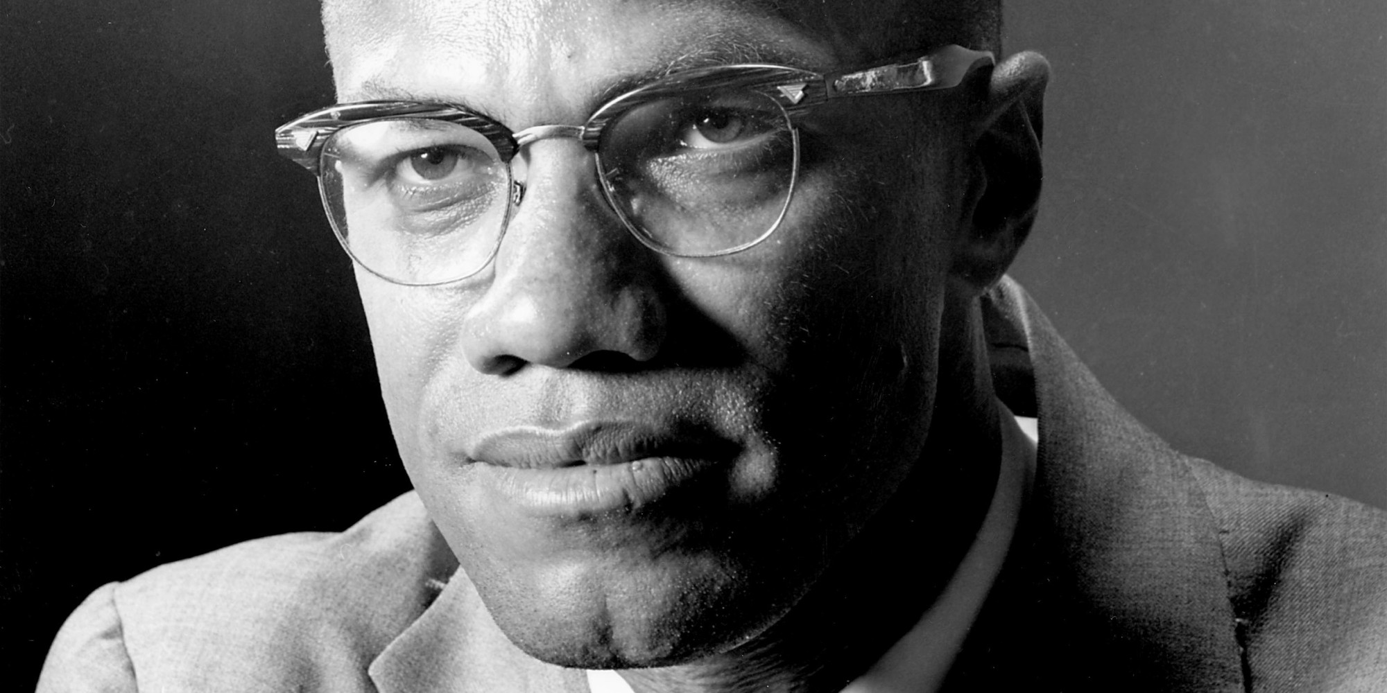 "the question of whether malcolm x was a leader or a bluff It was in prison that malcolm x learned about the nation of islam (noi) and began writing daily letters to the noi's leader, elijah muhammad, known as the ""messenger of allah"" malcolm x, the name he acquired from the noi, was released from prison in 1952."