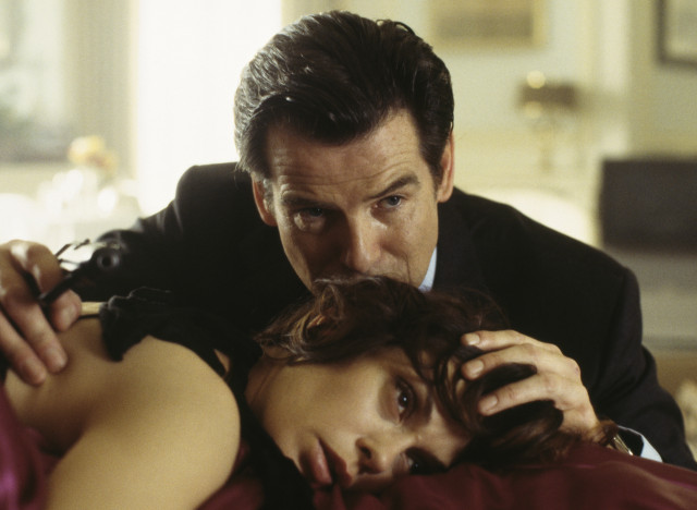 pierce brosnan teri hatcher