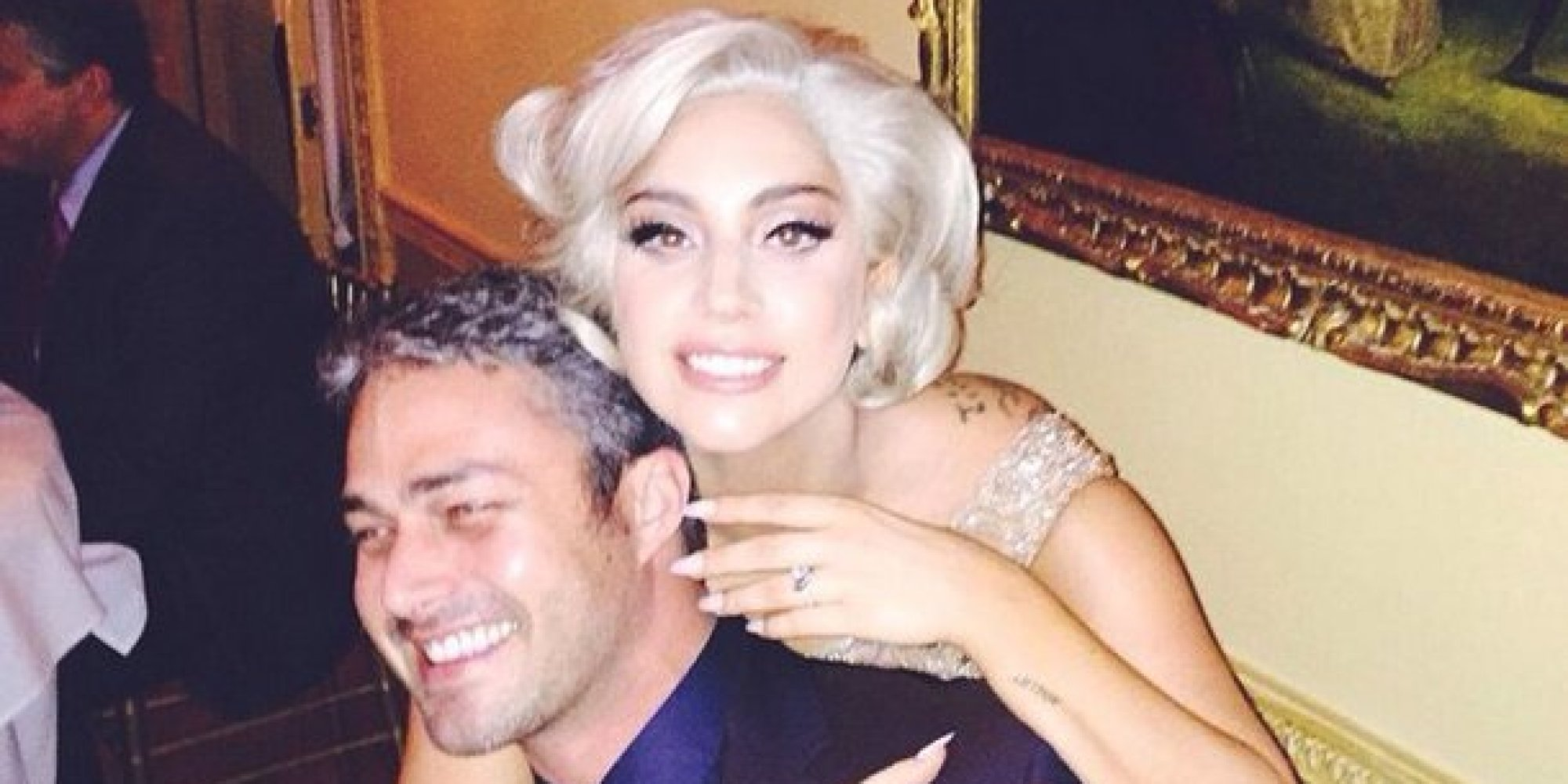 Lady Gagas Engagement Ring Has A Special Surprise On The Band
