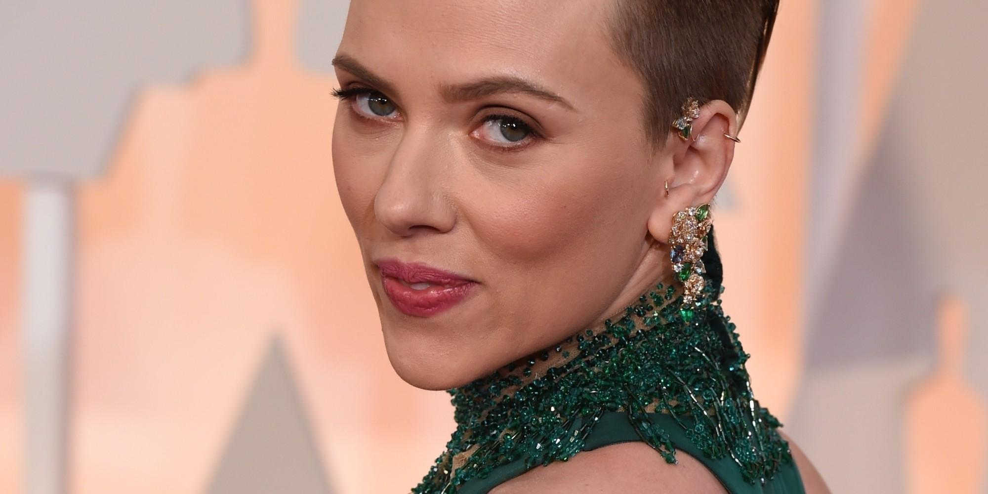 New Mom Scarlett Johansson Wows At The Oscars | HuffPost скарлетт йоханссон
