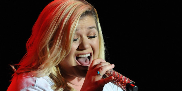Kelly Clarkson Debuts New Single 'Invincible,' Written By Sia